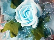 FA003 -Flores artificiais, confeccionada em papel e Eva com tule. Lindas cores!