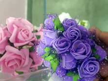 FA006 -Flores artificiais, confeccionada em papel e Eva com tule. Lindas cores!