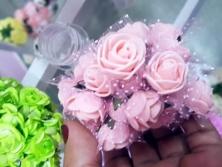 FA005 - Flores artificiais, confeccionada em papel e Eva com tule. Lindas cores!