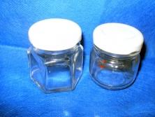 Cod. LE007 - Pote de vidro p/ brigadeiro Redondo e sextavado tampa branca e dourada 40ml